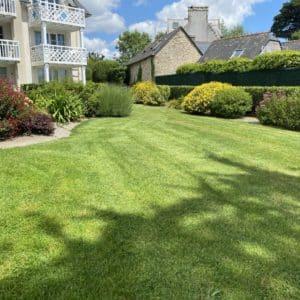 massif arbuste jardin entretien fouesnant capp vert - Entretien de jardin